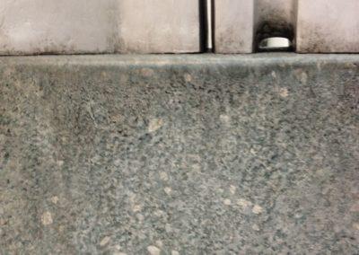 aluminium et pierre