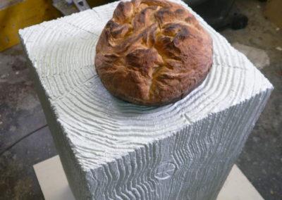 Pour Valentin Carron: faux bois et faux pain.
